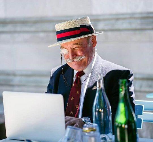 Medienkompetenz für Senioren foto by Metatdgt @ pexels