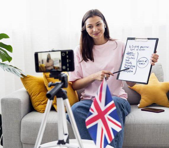 freepik warren laine-naida woocommerce elearning photo of a woman teaching english online